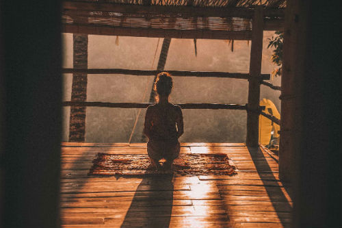 benefits-of-yoga-woman-meditation